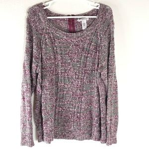 Woman's Maurices lightweight sweater size 3